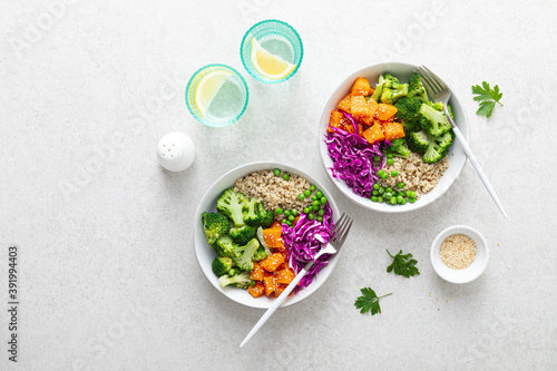Papel de parede Vegetarian quinoa and broccoli lunch Buddha bowl with baked butternut squash or