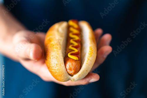 Foto American traditional fast food Hotdog with fresh organic bread bun white wheat a