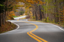 Curvy Vermont Country Road Win...
