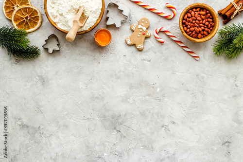 Canvastavla Food pattern with icing gingerbread cookies for Christmas, overhead view