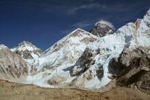 The Dramatic Landscape Of Mount Everest Khumbu Himalaya Nepal