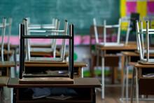 Elementary School Student Clas...