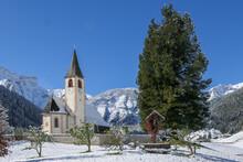 Die Kirche Von St. Veit Im Pra...