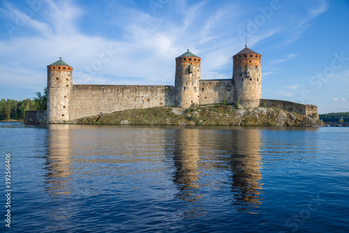 Fotografia Olavinlinna fortress on a warm July day. Savonlinna, Finland