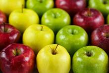 Grupo De Manzanas De Diferente...