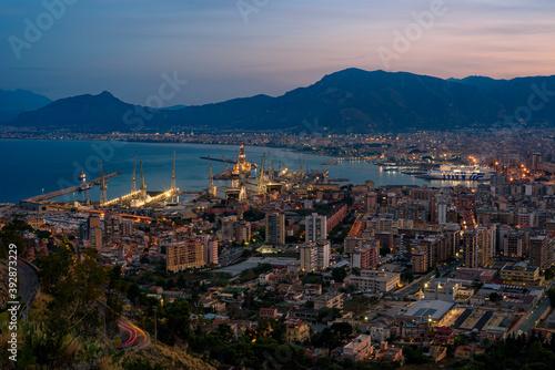 Città di Palermo al crepuscolo, Italia Wallpaper Mural