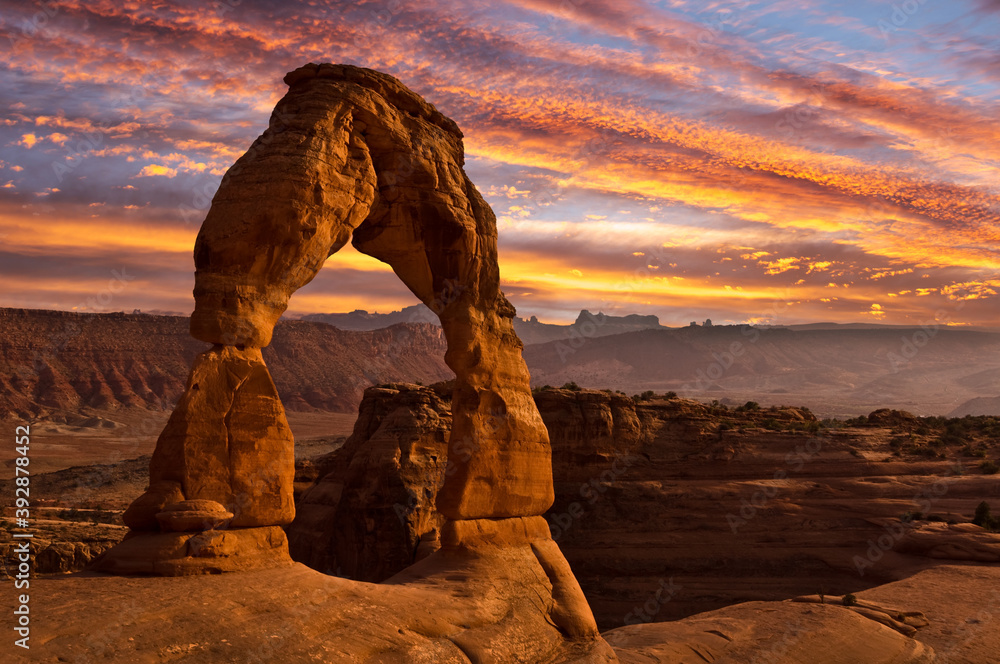 Fototapeta Delicate arch at sunset in Arches National Park, Utah, United States