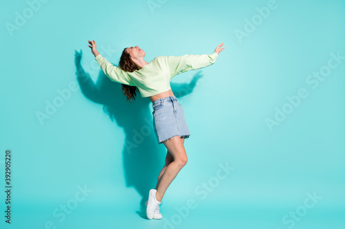 Fotografering Full length body size photo of crazy female dancer singing laughing loudly movin