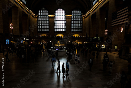 фотография Passengers and tourists standing in the foyer of Grand Central Station