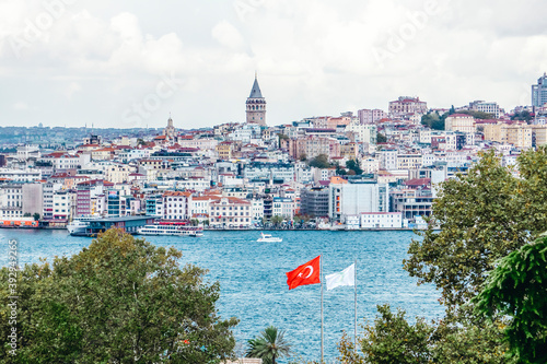Fotografie, Obraz Panorama of Istanbul with mosques and the Bosphorus