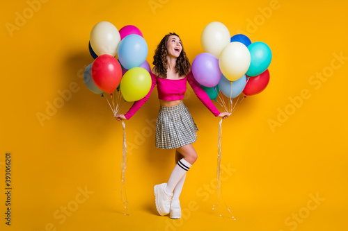 Canvastavla Full length body size photo of dreamy schoolgirl holding air balloons smiling we