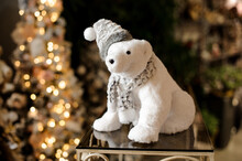 Gorgeous Polar Bear Toy With S...