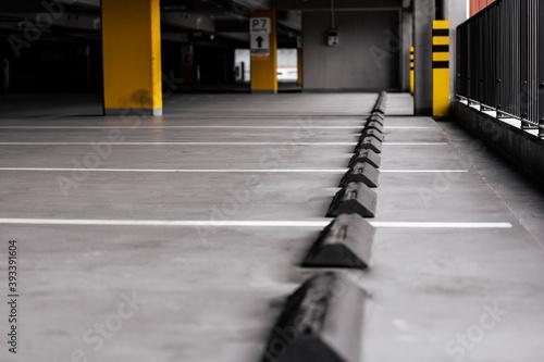 Fotomural Rubber parking stops - separator,  bumper car