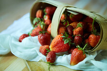 Fruit Red Ripe Strawberries Fa...