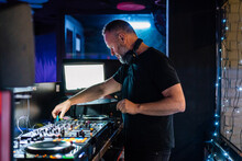 Inspired DJ Using Controller W...