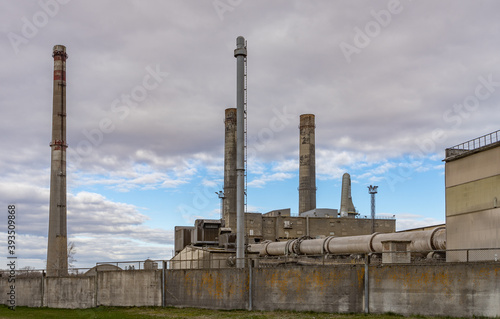 industrial plant and chimney Fototapet