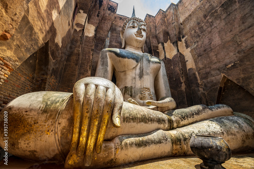 Obraz na plátně Wat Si Chum - Sukhothai, Thailand