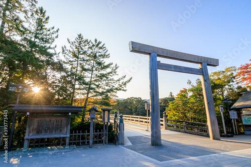 Photo 朝日と伊勢神宮 三重県伊勢市  Sunrise and Ise Jingu Mie-ken Ise city