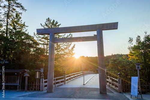 Leinwand Poster 朝日と伊勢神宮 三重県伊勢市  Sunrise and Ise Jingu Mie-ken Ise city