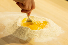 Fare La Pasta Con Uova E Farin...