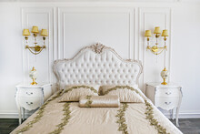 King Size Bed With Cushioned A...