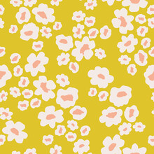 Scattered Daisy Floral Pattern In Yellow And Pink. Small Flowers Seamless Vector Background. Ditsy Flower Print For Textile, Home Decor, Wallpaper, Gift Wrap.