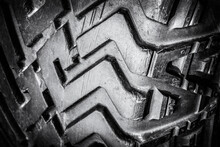 Tread Old Car Tires For Off-ro...