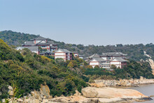 Chinese Traditional Hotels At The Seaside In The Putuoshan Mountains, Zhoushan Islands,  A Renowned Site In Chinese Bodhimanda Of The Bodhisattva Avalokitesvara (Guanyin)