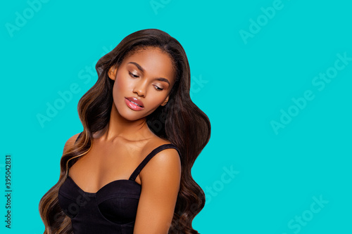 Foto Beauty styled portrait of a young African American woman