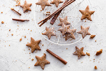 Star Shaped Gingerbread Cookies With Dusted Sugar