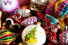 Various Christmas Glass Decora...