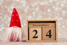 December 24, Calendar With Santa, Christmas Day Holiday