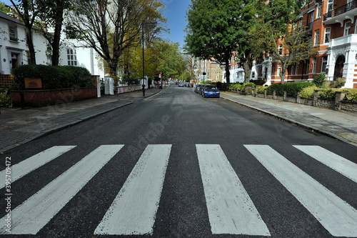 Billede på lærred STREET IN THE CITY
