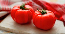 Red Fresh Large Tomatoes With ...