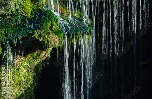 Foto cascade traunfall at the river traun near roitham, upper austria