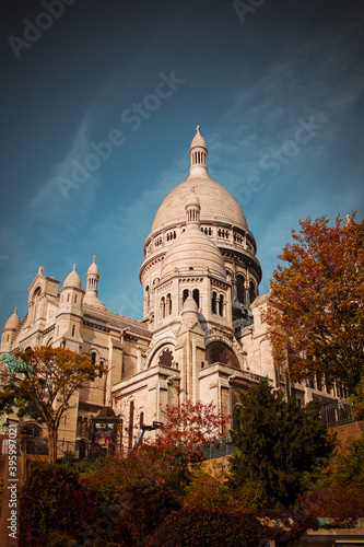 Fototapeta Sacre Coeur in Autumn