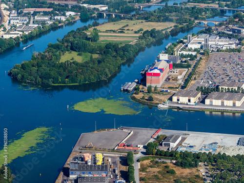 Photo vue aérienne du port de Limay dans les Yvelines en France