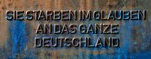 Geprägte Inschrift An Einem K...
