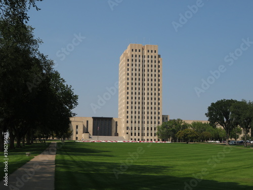 Fototapeta North Dakota Capital Building in Bismarck, ND