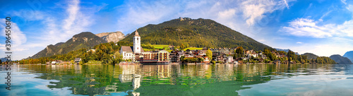 Fotografiet Panoramic view from the Wolfgangsee to the village St