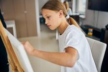 Young Amateur Female Painter I...
