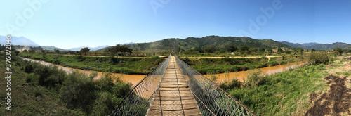 Panoramica puente arroyo