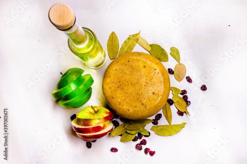 Fototapeta ser i jabłka obraz