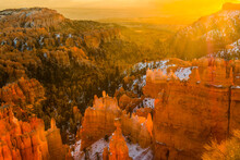 Sunrise Over The Queens Garden And Thors Hammer From Sunset Point, Bryce Canyon National Park,Utah,USA