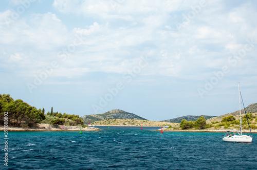 Fotografia The passage of Mala Proversa between Dugi Otok and the Kornati islands