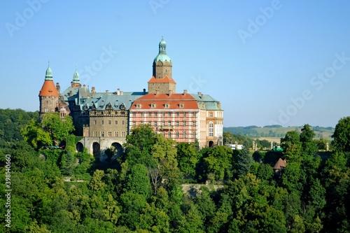 Obraz Zamek Książ, zespół rezydencjalny na Szlaku Zamków Piastowskich w Wałbrzychu - fototapety do salonu