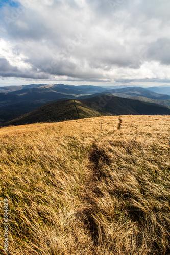 autumn-in-the-mountains-bieszczady-wielka-rawka-mountain-range