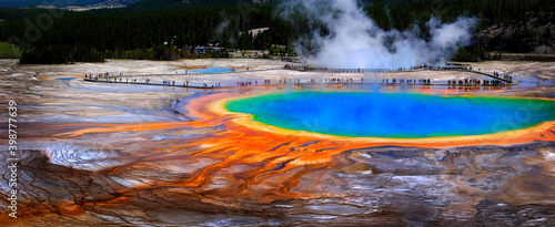 Fotografia Grand Prismatic Spring Yellowstone National Park Tourists Viewing Spectacular Sc