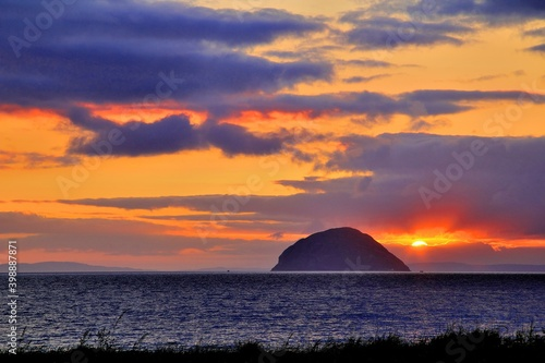 Obraz na plátne Sunset at Ailsa Craig Ayrshire Scotland
