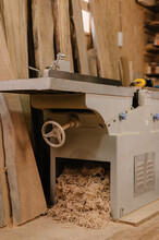 Jointer Machine With Wooden Chips